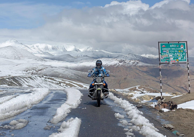 bike riding in ladakh
